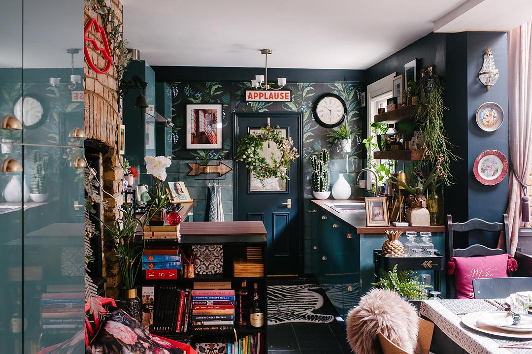blue-maximalist-kitchen-design-tips-interiors