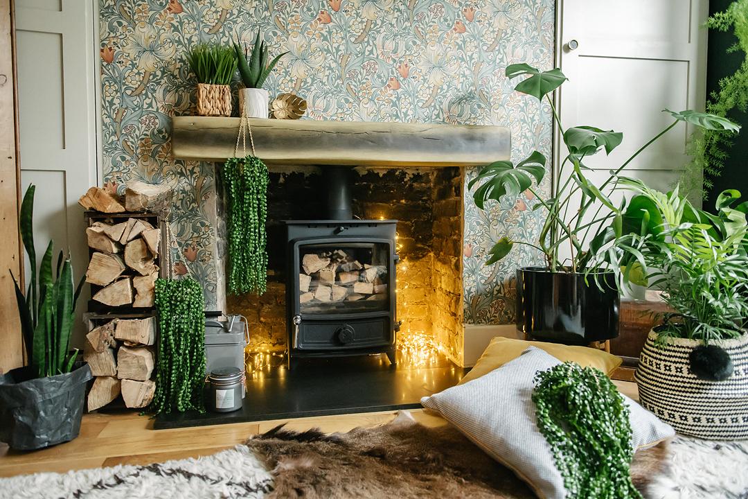inexpensive-ways-ideas-making-home-cosy-dark-interiors-lily-sawyer-photo