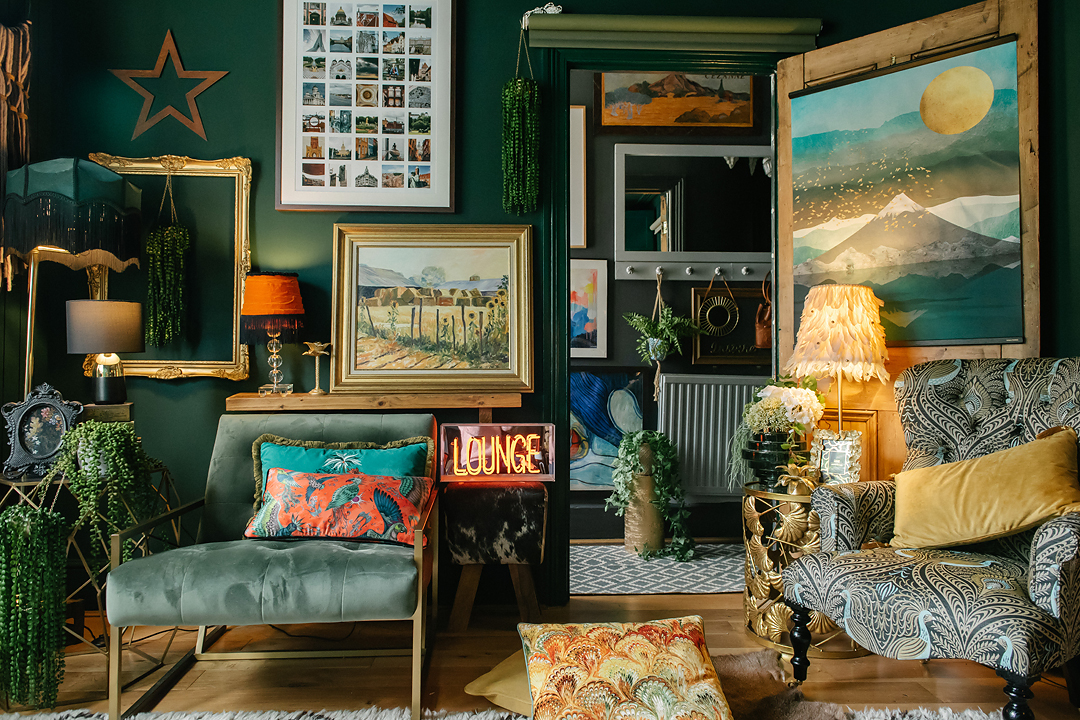 3-tips-interior-style-dark-maximalist-eclectic