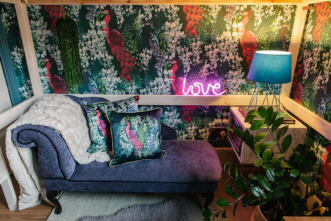 maximalist-bedroom-claire-elsworth-wwallpaper