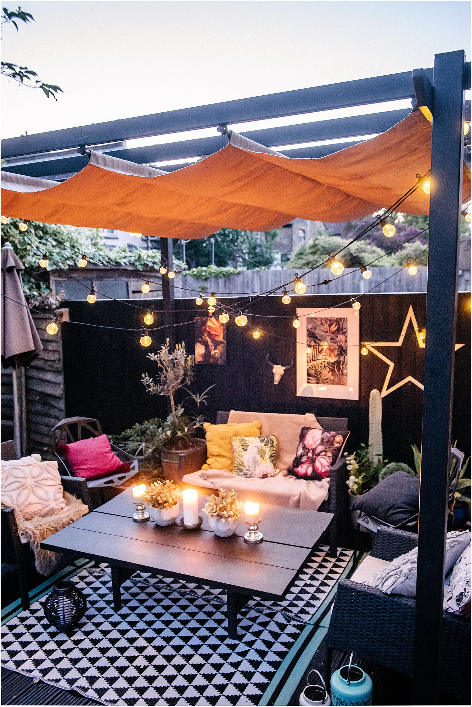 garden-pergola-festoon-lights-canopy-