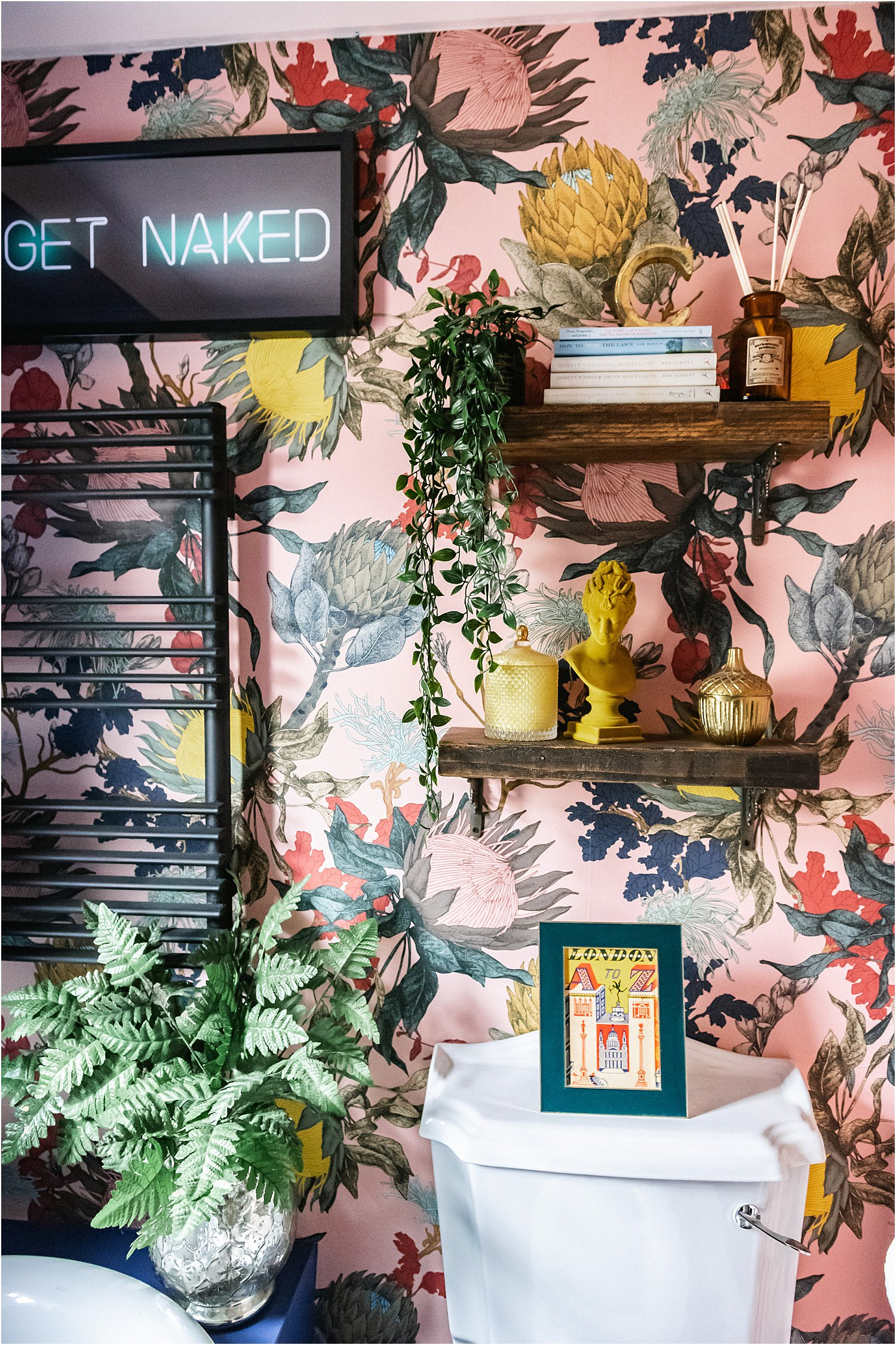 brand-collaborations-paid-and-gifted-instagram-layered.home-lily-sawyer-photo